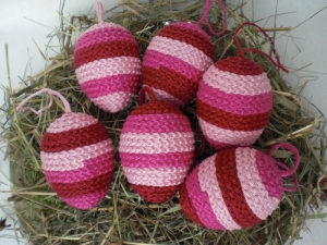 6 behäkelte Ostereier für den Osterstrauß, in Rottönen, Handarbeit kaufen  - Handarbeit kaufen