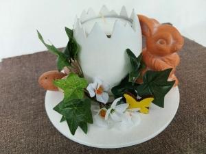 gedrechselter Holz-Teelichthalter in Eiform, weiß mit Deko kaufen - Handarbeit kaufen