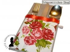 Bestecktaschen mit Rosen für 4 Personen