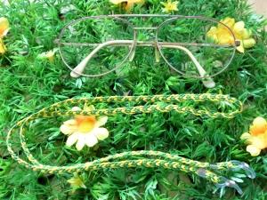 Handgeflochtenes Brillenband aus Schmuckkordel  in grün-gelb - Handarbeit kaufen