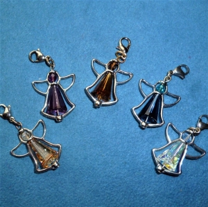 5 Stück Kristall-Engel, Glücksbringer, Schutzengel, Gastgeschenk, Charmanhänger - Handarbeit kaufen