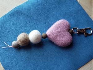 * Taschenanhänger*  aus Filz in rosa-braun *handgefertigt* - Geschenk für Mädchen und Frauen - - Handarbeit kaufen