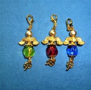 Handgefertigte Charmanhänger *Glücksengel* aus gedrehter Glasperle im 3er Set - Handarbeit kaufen
