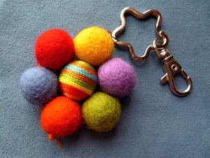 Schlüsselanhänger,Taschenbaumler, Regenbogenblüte,  - Handarbeit kaufen