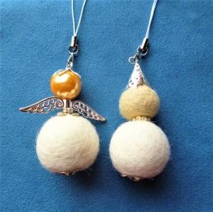 Handgefertigter Schlüsselanhänger/Taschenbaumler * Engel und Wichtel aus Filz im Set - Handarbeit kaufen