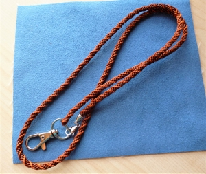 Schlüsselband lang  aus Satinkordel handgeflochten  - Geschenkidee für alle -  - Handarbeit kaufen
