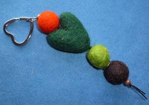 *Schlüsselanhänger* aus Filz  in herbstlichen Farben *- Geschenk für Frauen und Männer - Handarbeit kaufen