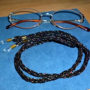 Handgeflochtenes Brillenband  aus Schmuckkordel mit Glitzer für Sonnenbrillen, Lesebrillen, kabellose Kopfhörer - Handarbeit kaufen