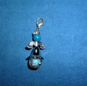Handgefertigter weihnachtlicher Geschenkanhänger  *Engelchen  mit Lampwork-Glasperle*   - Handarbeit kaufen