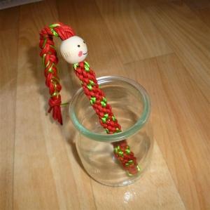Umflochtene Kugelschreibermine  mit Trendfrisur  - Geschenk für Mädchen und Jungen -    - Handarbeit kaufen