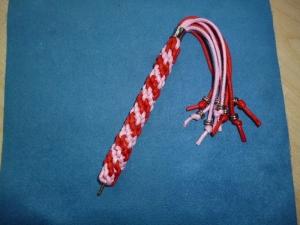 Umflochtene Kugelschreibermine in rosa-rot - Geschenk für Mädchen und Frauen -  - Handarbeit kaufen