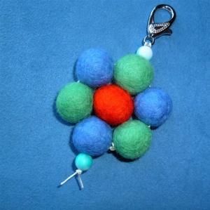 Schlüsselanhänger/Taschenbaumler * Blüte* - Geschenk für Mädchen und Frauen -   (Kopie id: 100273672) - Handarbeit kaufen