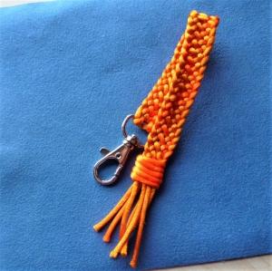 Schlüsselanhänger*handgeflochten aus Satinkordel* mit Karabiner - Geschenk für Frauen und Männer -  - Handarbeit kaufen