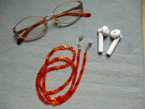 Handgefädelte zierliche Brillenkette *Orange-Rot*  - Handarbeit kaufen