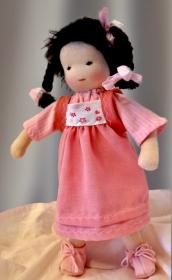 Versand kostenlos Stoffpuppe 30 cm Stoffpuppe Mädchen Handarbeit aus Naturmaterialien hergestellt