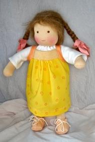 Stoffpuppe Mädchen ca.35 cm in Handarbeit aus Naturmaterialien hergestellt Versand kostenlos
