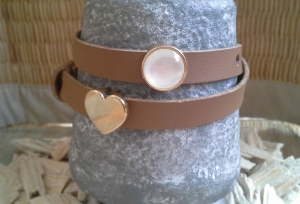 Armband ★ Pearl ★, Wickelarmband aus Kunstleder mit Schiebeperlen - Handarbeit kaufen