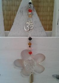 Fensterhänger Sonnenfänger  ☀ Namaste ☀ Om ☀ ♡, mit Kristallanhänger - Handarbeit kaufen
