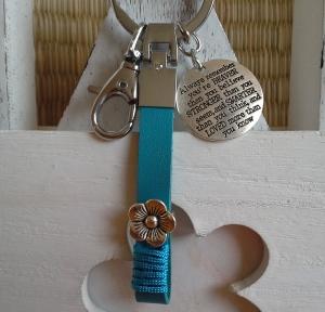 Schlüsselanhänger ★ You're braver than you believe ★ ♡, aus Kunstleder mit Anhänger - Handarbeit kaufen