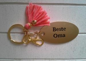 Schlüsselanhänger ☀ Beste Oma ☀ ♡ , mit Quaste und Herzchen  - Handarbeit kaufen