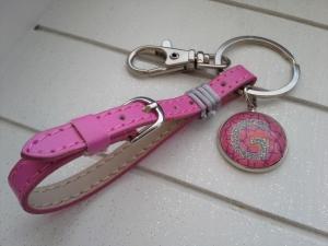 Schlüsselanhänger ★Pink Lady★ ♡ , aus Kunstleder mit Initialenanhänger - Handarbeit kaufen