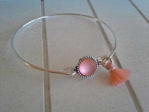 Armreif ♥ Pearl ♥,  ☆ aus Metall mit Quastenanhänger  - Handarbeit kaufen