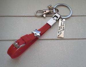 Schlüsselanhänger ★ Drive save, I need you here with me ★ ♡ , aus Silikonband, mit Anhänger und Schiebeperle  - Handarbeit kaufen