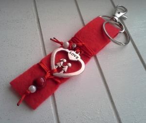 Schlüsselanhänger ★Love★ ♡ , aus Filz und Metall mit ♥ Herzanhänger