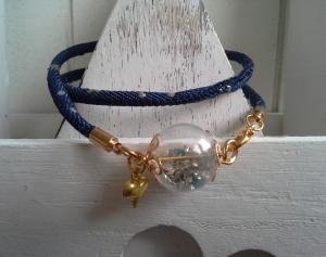 Armband ☀ Sternenstaub ☀, ☆  aus Jeanskordel, mit Glaskugel gefüllt mit Glitter - Handarbeit kaufen