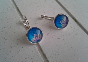 Ohrringe ♥ Lotus ♥,  ☆ versilbert ☀ verschiedene Motive ☀      - Handarbeit kaufen