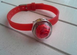 Armband ♥ Rose ♥,  ☆ aus Silikon mit Chunk ★ Glaskuppel mit Stoff-Rose - Handarbeit kaufen