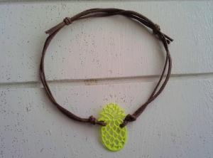 Armband ♥ Ananas ♥, geknüpftes Armband mit filigranem Anhänger ☀ individualisierbar!  - Handarbeit kaufen