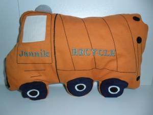 Kuschelkissen  Müllauto 35  mal 24 cm mit gratis  Personalisierung