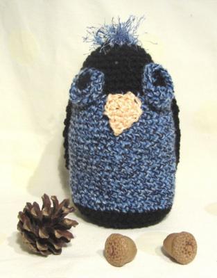 Eule ♥ handgehäkelt aus Polyacryl in Blaumeliert und Schwarz als Dekoration kaufen