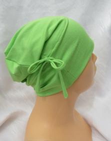 Handgefertigte Mütze ✂ Beaniemütze Chemomütze Damen aus Viskosejersey in leuchtendem Grün kaufen - Handarbeit kaufen