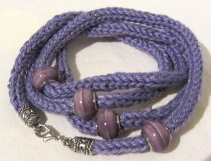Wickelarmband handgestrickt aus Baumwolle in Lila kaufen