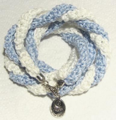Handgehäkeltes Wickelarmband ♡ Damen mit Anhänger follow your heart aus Baumwolle kaufen - Handarbeit kaufen