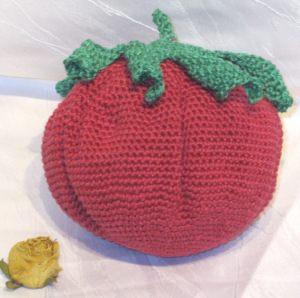 Erdbeere Kissen handgehäkelt aus Baumwolle als Dekokissen oder als Geschenk kaufen