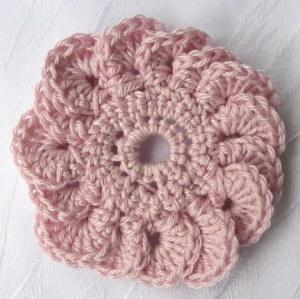 Blüte ☀ handgehäkelt aus Baumwolle in Rosa kaufen oder in Ihrer Wunschfarbe bestellen