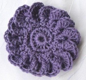 Blüte ☀ handgehäkelt aus Baumwolle in Lila kaufen oder in Ihrer Wunschfarbe bestellen
