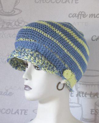 Schirmmütze handgehäkelt aus Baumwolle in harmonisierender Farbkombination aus Blau und Gelb kaufen
