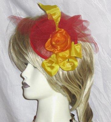 Handgefertigter Haarschmuck entworfen und hergestellt aus verschiedenen Materialien in Rot, Orange und Gelb kaufen  - Handarbeit kaufen