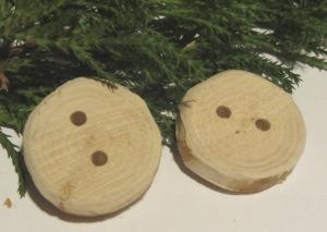 Knöpfe handgemacht aus Wacholderholz unbehandelt deshalb ideal zum Einfärben oder künstlerischer Bemalung kaufen
