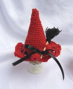 Eierwärmer ♡ handgehäkelt aus Baumwolle in Rot und Schwarz kaufen