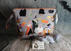 Halloween-Set: Projekttasche Happy Halloween Größe M und passende handgefärbte Sockenwolle