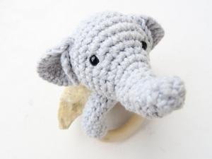 Liebevoll gehäkelter Elefant - Greifling & Beißring