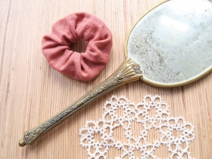 Scrunchies aus Musselin • Haargummi • Zopfgummi  - Handarbeit kaufen