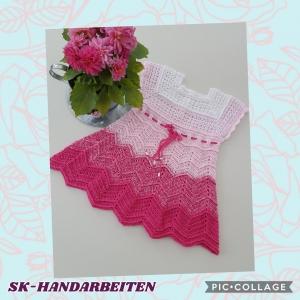 Sommerkleid im Farbverlauf aus Baumwoll-Mischgarn in Gr. 98 - 104 *hangehäkelt*