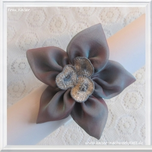 Brautschmuck Haarschmuck Headpiece Haarblüte Seide blau lila