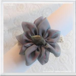 Brautschmuck Haarschmuck Headpiece Haarblüte Seide blau lila mit Labradorit